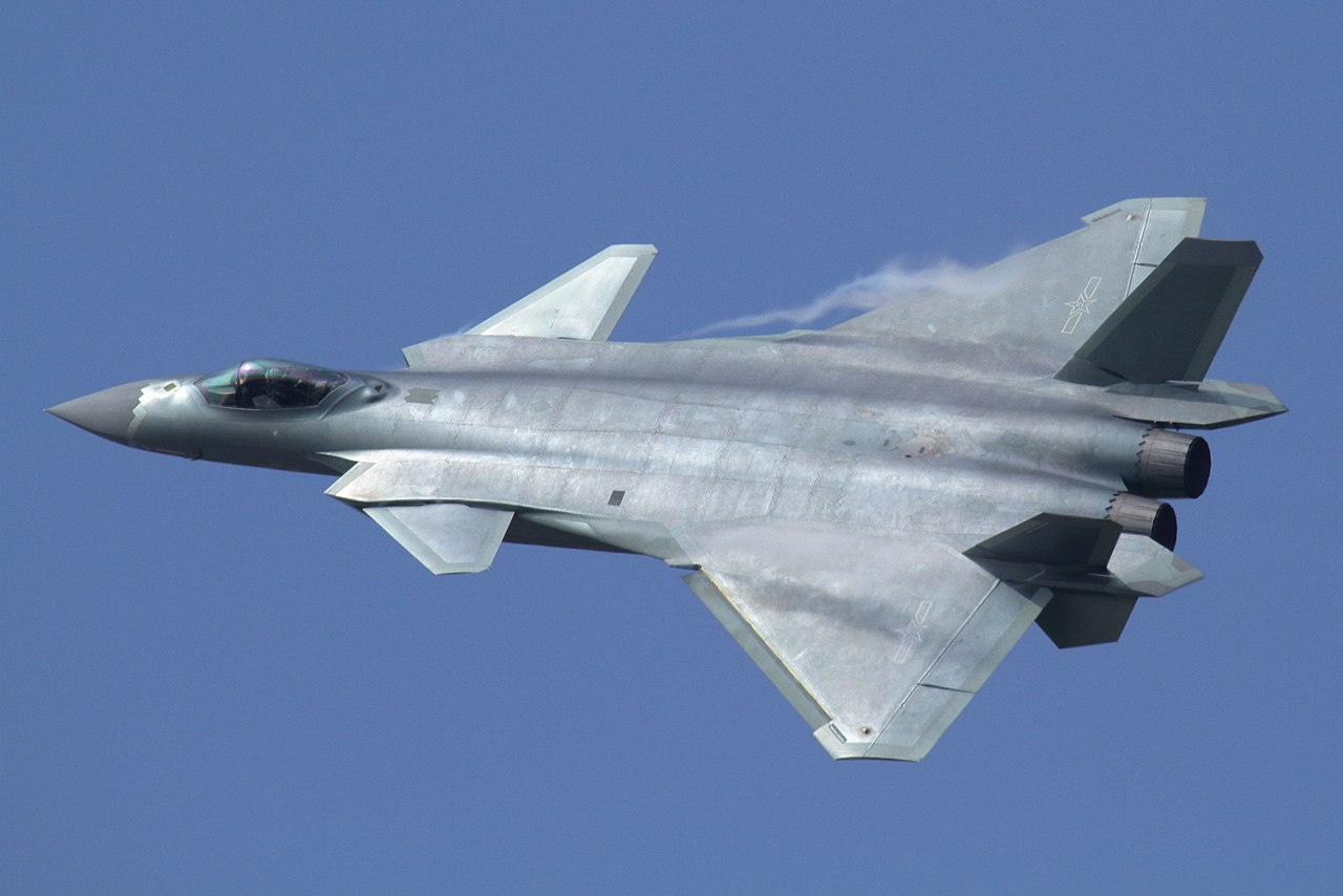 J-20_at_Airshow_China_2016 foto commons
