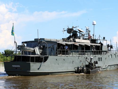 NTrFlu 'Paraguassu' e lancha Guardian do Exército Brasileiro