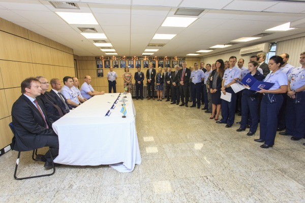 """Termo Aditivo ao Acordo de Compensação """"Offset"""" do projeto F-X2 (Gripen NG)"""