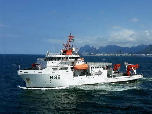 NPqHo Vital de Oliveira navegando no litoral